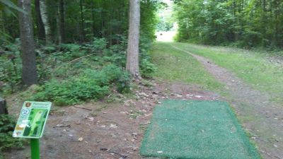Plattsburgh State DGC, Main course, Hole 2 Tee pad