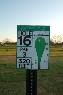Basil Griffin Park, Main course, Hole 16 Hole sign