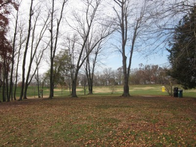 Lovers Lane Park, Main course, Hole 1 Tee pad