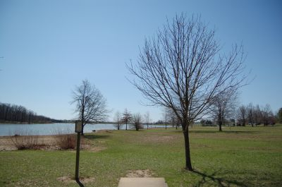 Freeman Lake Park, Main course, Hole 15 Tee pad