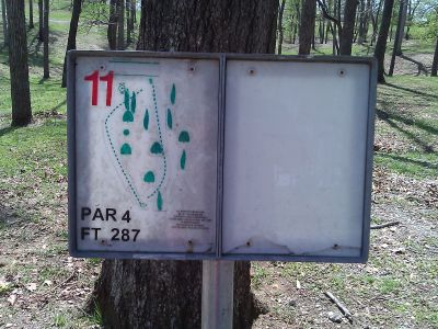 Radcliff DGC, Main course, Hole 11 Tee pad