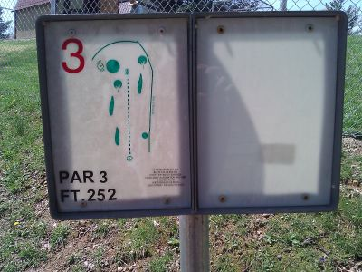 Radcliff DGC, Main course, Hole 3 Tee pad