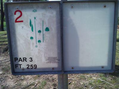 Radcliff DGC, Main course, Hole 2 Tee pad