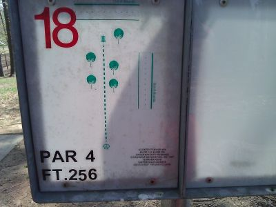 Radcliff DGC, Main course, Hole 18 Tee pad