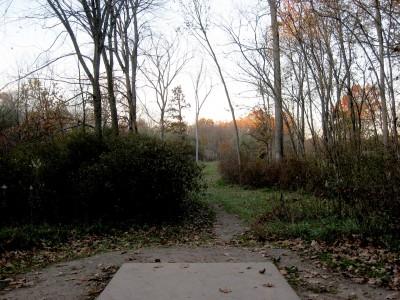 Hudson Mills Metropark, Original course, Hole 9 Short tee pad