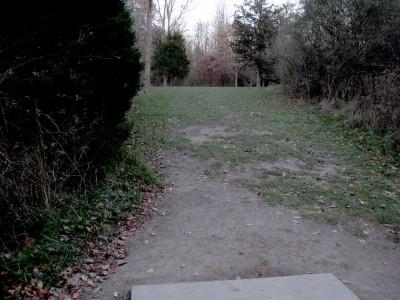 Hudson Mills Metropark, Original course, Hole 11 Short tee pad