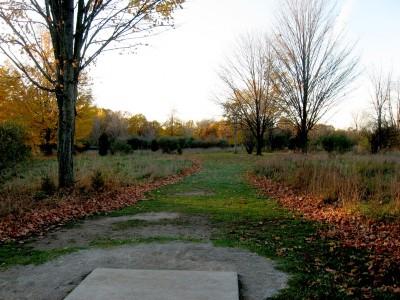 Hudson Mills Metropark, Original course, Hole E Short tee pad