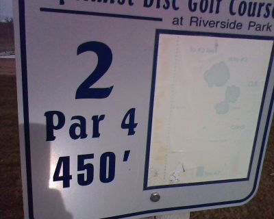 Optimist, Main course, Hole 2 Hole sign