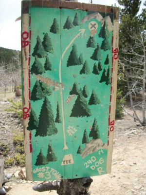 Ghost Town, Main course, Hole 3 Hole sign