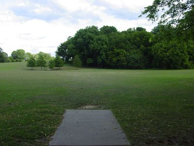 Sanders Ferry Park, Main course, Hole 6 Tee pad
