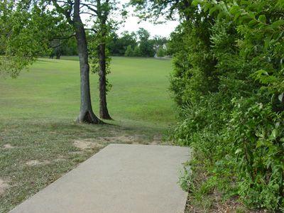 Sanders Ferry Park, Main course, Hole 5 Tee pad