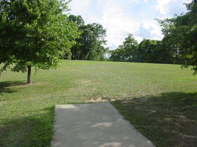 Sanders Ferry Park, Main course, Hole 3 Tee pad