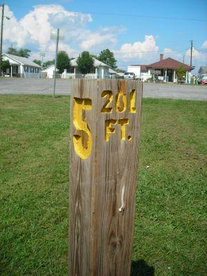 Borden Park, Main course, Hole 5 Hole sign