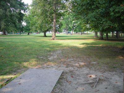 Borden Park, Main course, Hole 18 Tee pad