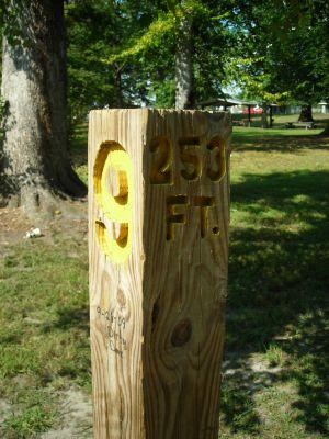 Borden Park, Main course, Hole 9 Hole sign