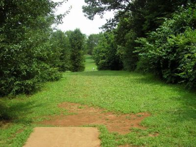 Victor Ashe Park, Main course, Hole 13 Tee pad