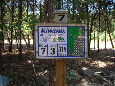 Morristown Kiwanis DGC, Main course, Hole 7 Hole sign