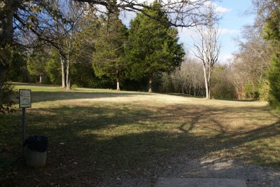 Cedar Hill Park, Main course, Hole 4 Tee pad