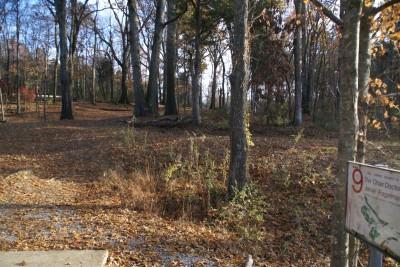 Cedar Hill Park, Main course, Hole 9 Tee pad