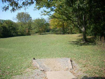 Seven Oaks, Main course, Hole 2 Tee pad