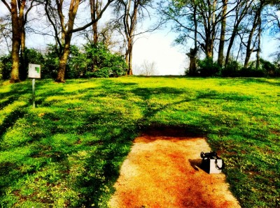 Two Rivers Park, Main course, Hole 4 Tee pad