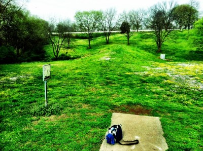 Two Rivers Park, Main course, Hole 13 Tee pad