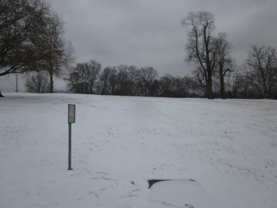 Two Rivers Park, Main course, Hole 3 Tee pad