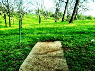 Two Rivers Park, Main course, Hole 5 Tee pad