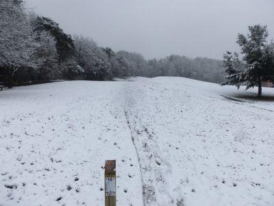 Cascade Township Park, Main course, Hole 10 Tee pad