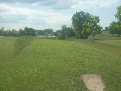 Cascade Township Park, Main course, Hole 1 Tee pad