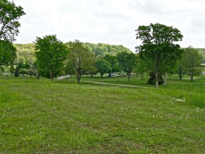Cascade Township Park, Main course, Hole 6 Tee pad