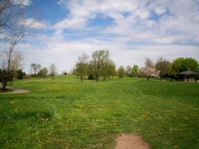 Cascade Township Park, Main course, Hole 2 Tee pad