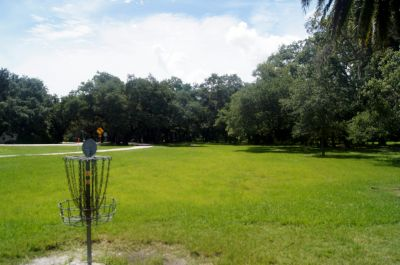 North East Coachman Park, Main course, Hole 1 Reverse (back up the fairway)