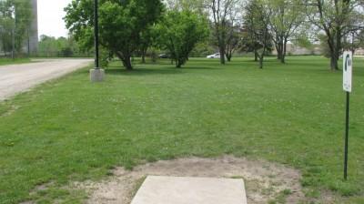 Lincoln Park, Main course, Hole 1 Tee pad