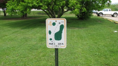 Lincoln Park, Main course, Hole 4 Hole sign