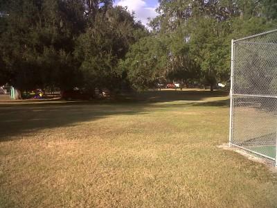Floral Park, Main course, Hole 9 Short tee pad