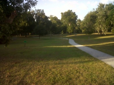 Floral Park, Main course, Hole 13 Short tee pad