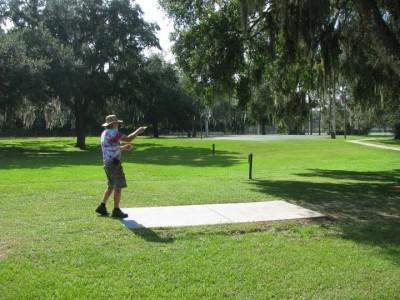 Floral Park, Main course, Hole 1 Long tee pad