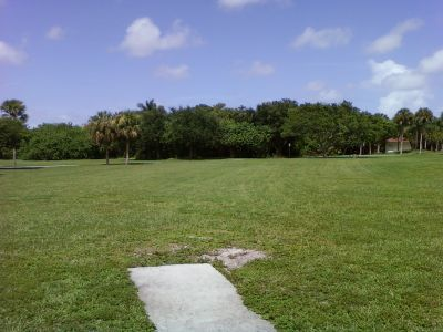Tradewinds Park, Main course, Hole 2 Tee pad