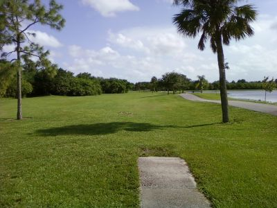 Tradewinds Park, Main course, Hole 5 Short tee pad