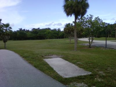 Tradewinds Park, Main course, Hole 1 Short tee pad
