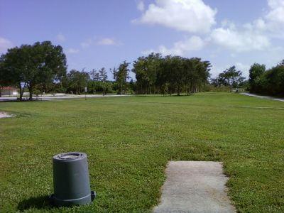 Tradewinds Park, Main course, Hole 13 Tee pad