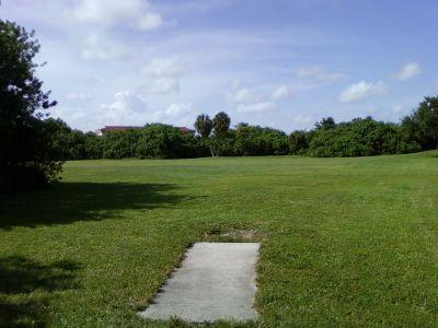 Tradewinds Park, Main course, Hole 18 Tee pad