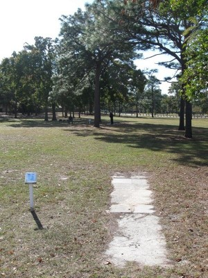 Ed Austin Park, Main course, Hole F Long tee pad