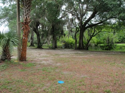 USF Riverfront Park, Main course, Hole 1 Short approach