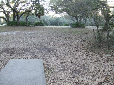 USF Riverfront Park, Main course, Hole 6 Tee pad