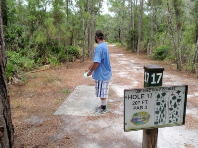 USF Riverfront Park, Main course, Hole 17 Tee pad