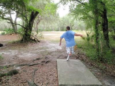 USF Riverfront Park, Main course, Hole 7 Tee pad